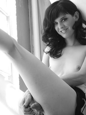 Beautiful Mandy Mitchell toying her sweet asshole